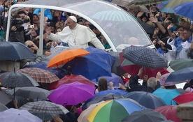 Bądźcie misjonarzami miłości i czułości Boga! Fot. CLAUDIO PERI /PAP/EPA