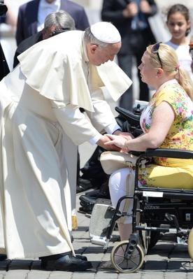 Franciszek wybrał obiad z ubogimi